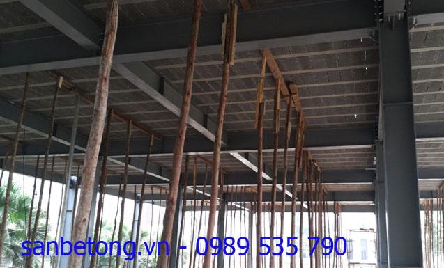 Sàn bê tông nhẹ được chống bằng các cột