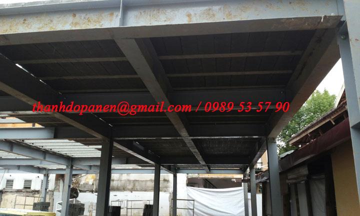 Khung thép tiền chế làm dầm và cột chịu lực cho sàn panel nhẹ