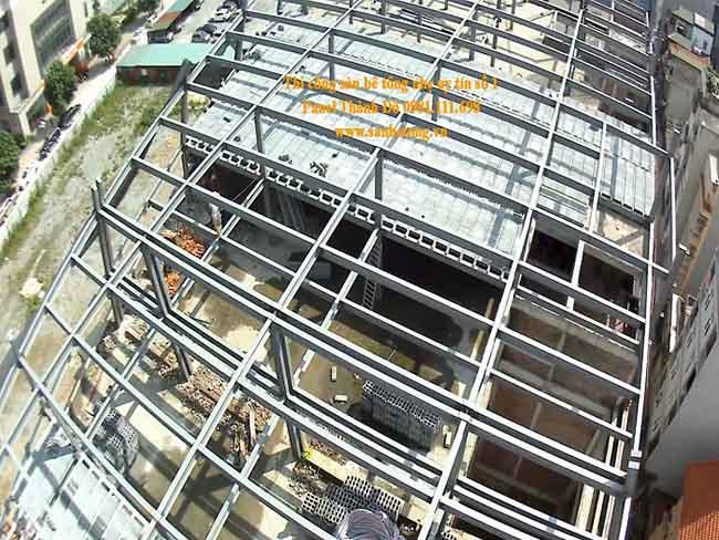 Sàn bê tông nhẹ và khung thép tiền chế diện tích 2.000m2 tại Cầu Giấy Hà Nội