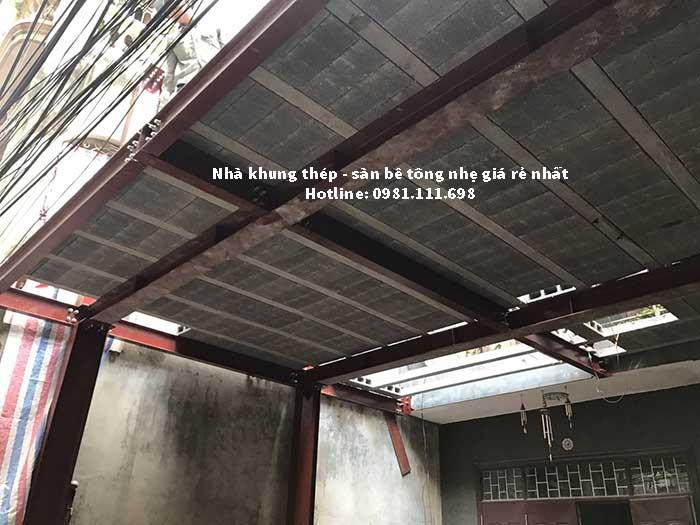 Mặt dưới của công trình nhà khung thép và sàn bê tông nhẹ tại số 2 ngõ 93 Trung kính – Cầu giấy – Hà nội