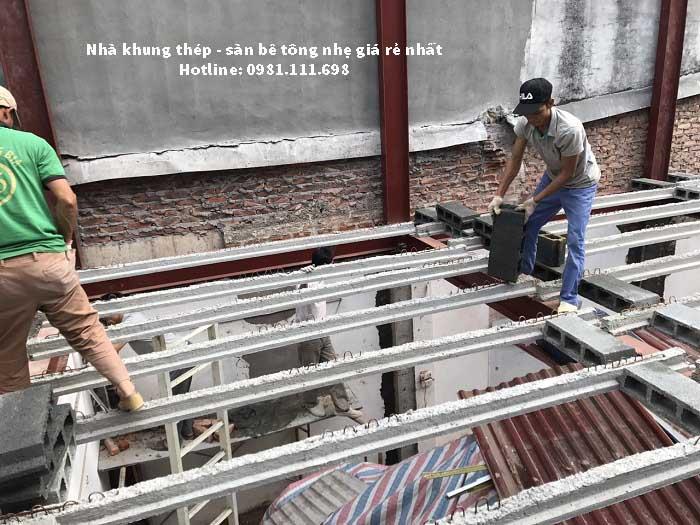 Lắp đặt dầm bê tông dự ứng lực cho sàn bê tông nhẹ