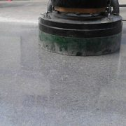 Đánh bóng sàn bê tông giúp sàn nhà sáng bóng, thẩm mỹ