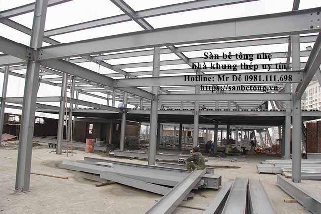 Nhà khung thép tiền chế 2000m2 do Panel Thành Đô thi công tại khu đô thị mới Cầu Giấy - Hà Nội