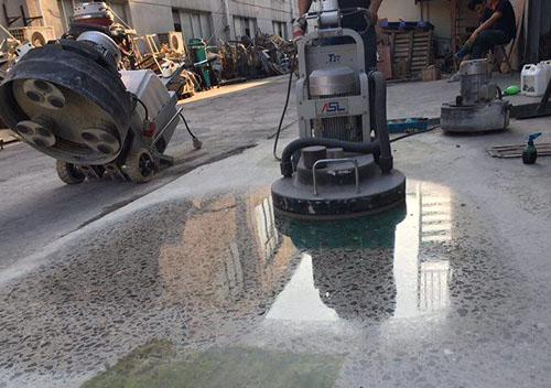 Chọn máy đánh bóng tốt sẽ có mặt sàn bê tông đẹp