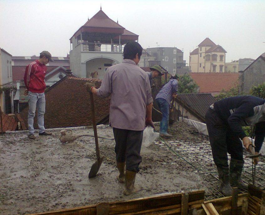 Đổ sàn bê tông truyền thống - bê tông cốt thép