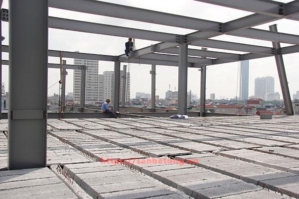 Một công trình xây dựng công nghiệp 2.000m2 sử dụng sàn bê tông nhẹ