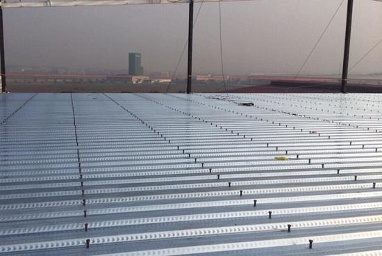 Sàn bê tông Deck được ưa dùng trong xây dựng vì có nhiều ưu điểm so với sàn bê tông truyền thống