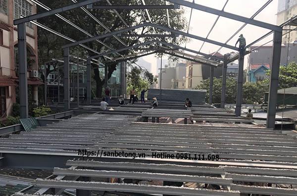 Thi công nhà khung thép tiền ché trên phố K2 Cầu Diễn - Hà Nội
