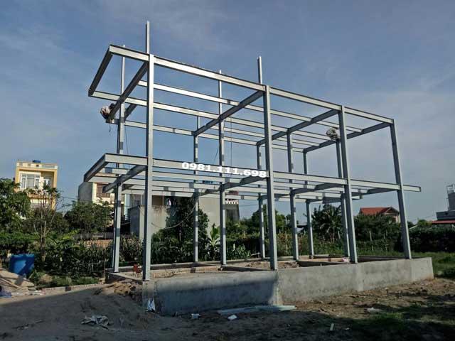 Toàn cảnh ngôi nhà bằng khung thép khi thi công khung